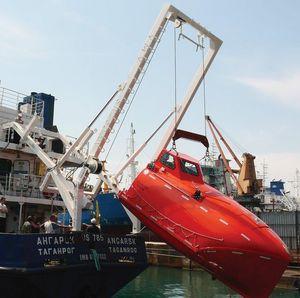 Davit für Freifall-Rettungsboote