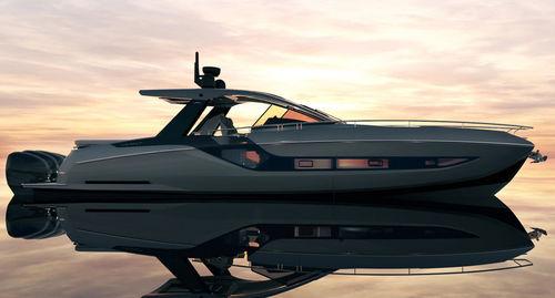 Express Cruiser / Außenbord / viermotorig / Verdränger Rumpf / Hard-top