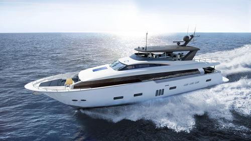 Fahrten-Superyacht - Hatteras Yachts