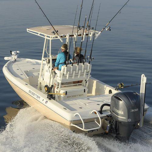 Bay-Boat / Außenbord / Mittelkonsole / Sportfischer / max. 8 Personen
