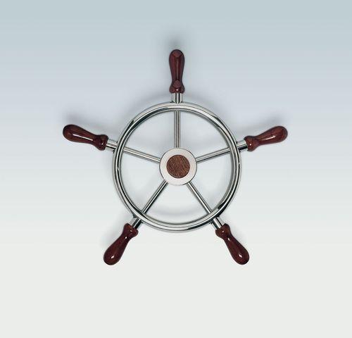 traditionelles Motorboot Lenkrad