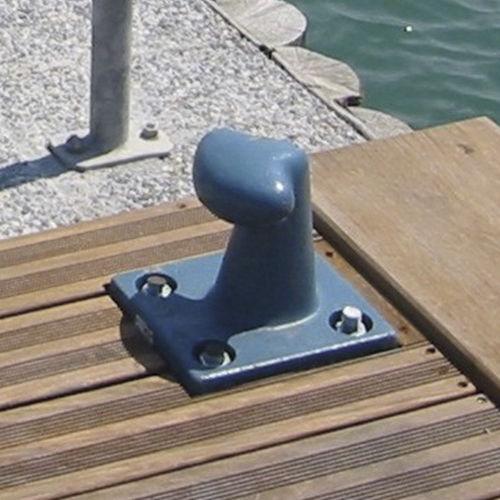 Anlegepoller für Yachthäfen