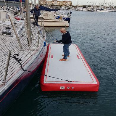 Plattform für Boote / für Freizeitanlagen / aufblasbar / kundenspezifisch