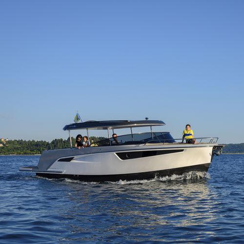 Innenborder-Konsolenboot
