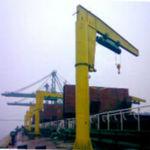 Kran für Werft / Spitzenausleger / mit schwenkbarem Ausleger