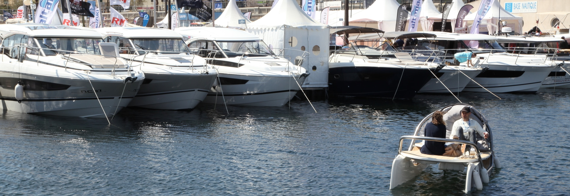 Ceclo auf dem Wasser in La Ciotat