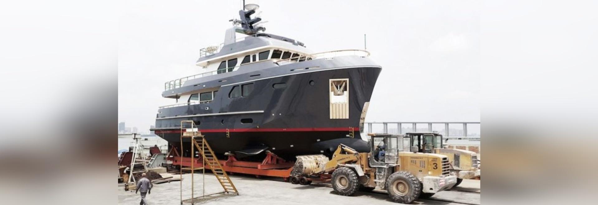 Dieses ist, wie man ein Spritzen macht: Treffen Sie neuen VEDA By Bering Yachts!