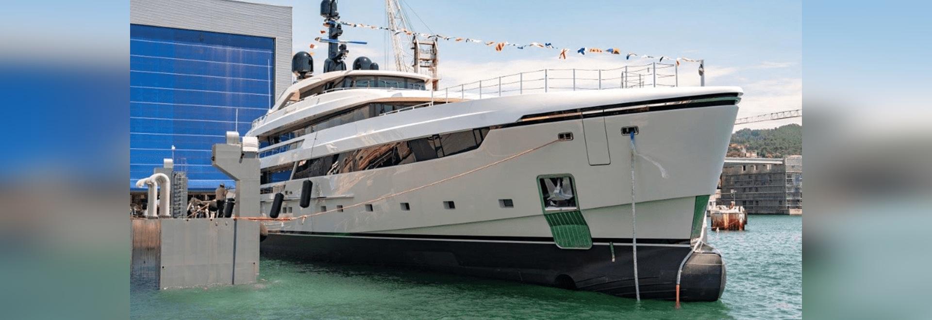 Sanlorenzo bringt die erste 62Steel-Yacht Lammouche in La Spezia zu Wasser