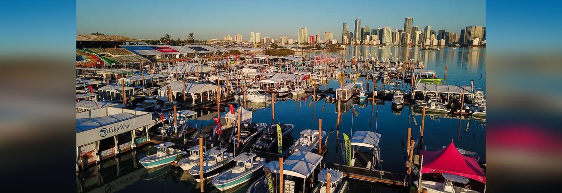Die Skyline von Miami bietet die perfekte Kulisse für ein Wochenende zum Ausprobieren neuer Boote und Ausrüstungen auf der jährlichen Miami International Boat Show.Mit freundlicher Genehmigung der ...