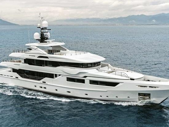 NEU: Groß-yacht durch Admiralyachten