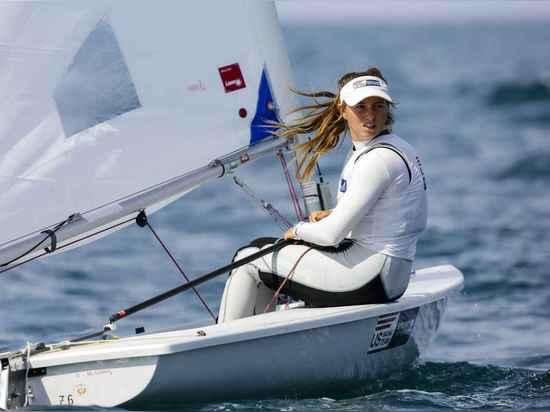 Erika Reineke ist als beeindruckender Konkurrent im Laser-Radialstrahl aufgetaucht. Reineke hatte ein starkes Jahr 2014 mit einem 6. Platz, der am Rio-olympischen Test-Ereignis darstellt und war de...