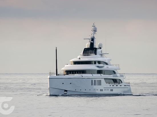 Benetti liefert 63m Superyacht Metis aus