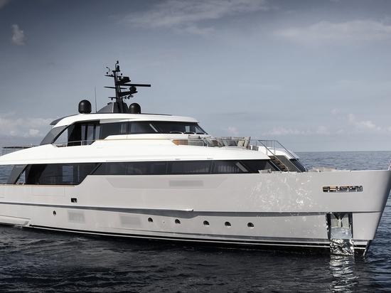 Sanlorenzo enthüllt SD96 beim Yachtfest von Cannes