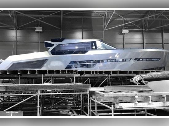 Mazu 82 Flaggschiff-Superyacht gestartet und Innenausstattung enthüllt