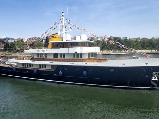 Türkis startet 56 Meter lange Explorer-Yacht Blue II im Hoek-Design