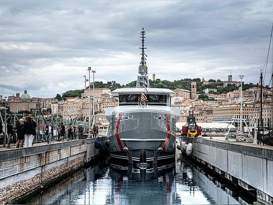 CPN startet 37-m-Explorer-Yacht K-584 in Ancona