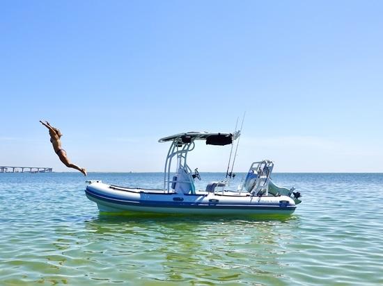 Hochfeldboote gehen mit 'Tulas endlosem Sommer' auf Tour