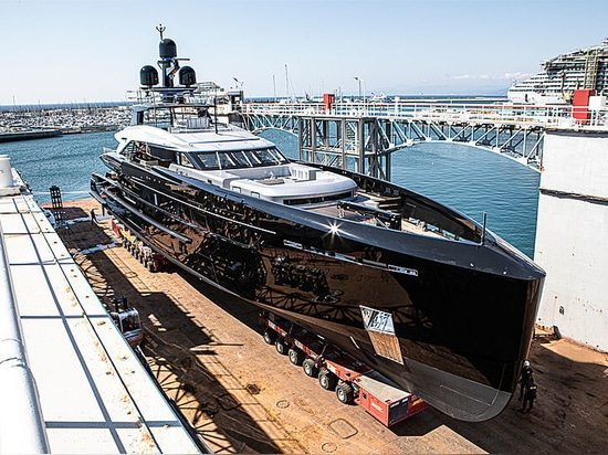 Tankoa lanciert neue 50m Semi-Custom-Yacht Olokun