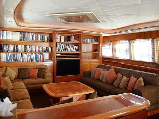 34m Antago yacht Dear Henri sucht einen neuen Besitzer