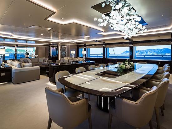 An Bord der O'Pari: Golden Yachts' neue 95m Flaggschiff-Superyacht