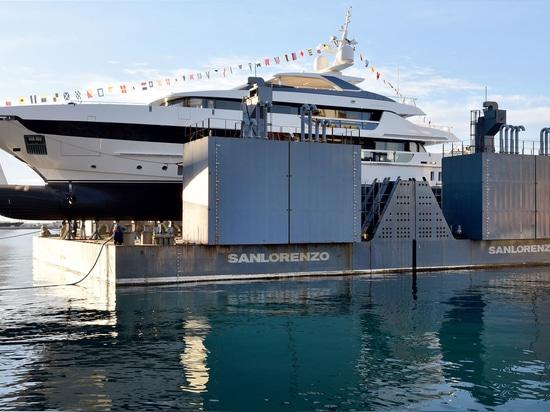 Fünfte Sanlorenzo 52Steel Superyacht läuft in Italien vom Stapel