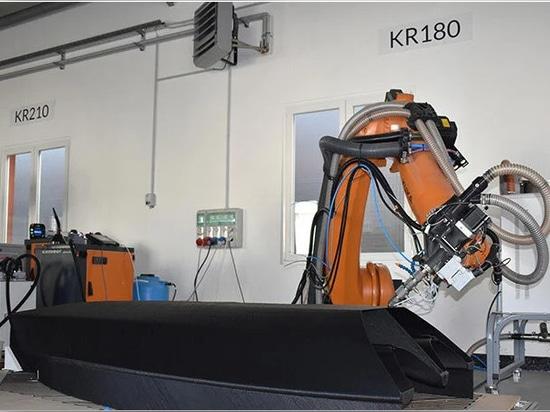 caracol hat sein firmeneigenes robotergestütztes additives Fertigungssystem eingesetzt, um den Rumpf des Segelboots in einem einzigen Stück zu fertigen - Bild mit freundlicher Genehmigung von nextchem
