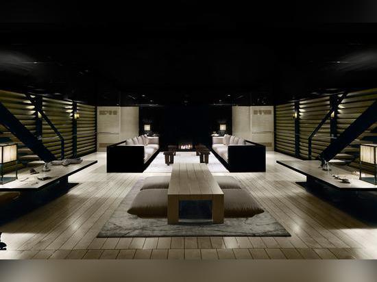 Der Armani-entworfene Saalinnenraum